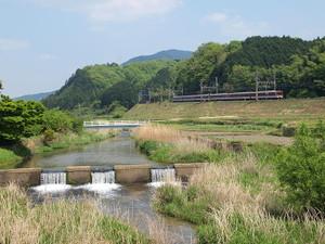 800pxyamato_river_in_sakurai_nara02