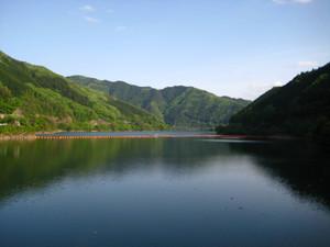Yahagi_dam_lake