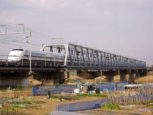 800pxshinkansensagamigawabridge